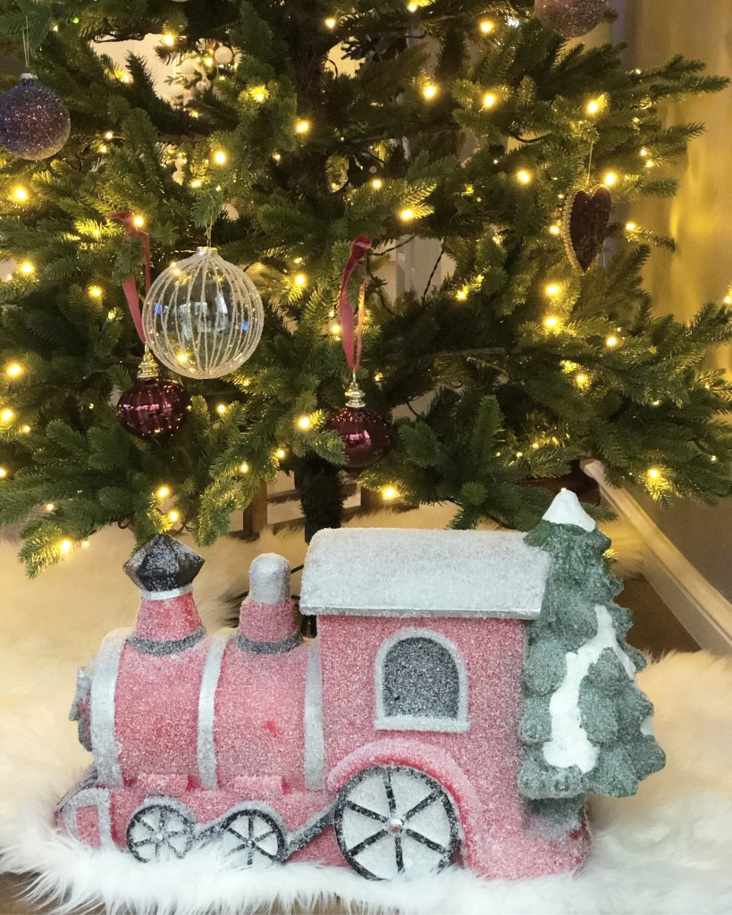 juldekoration med tåg